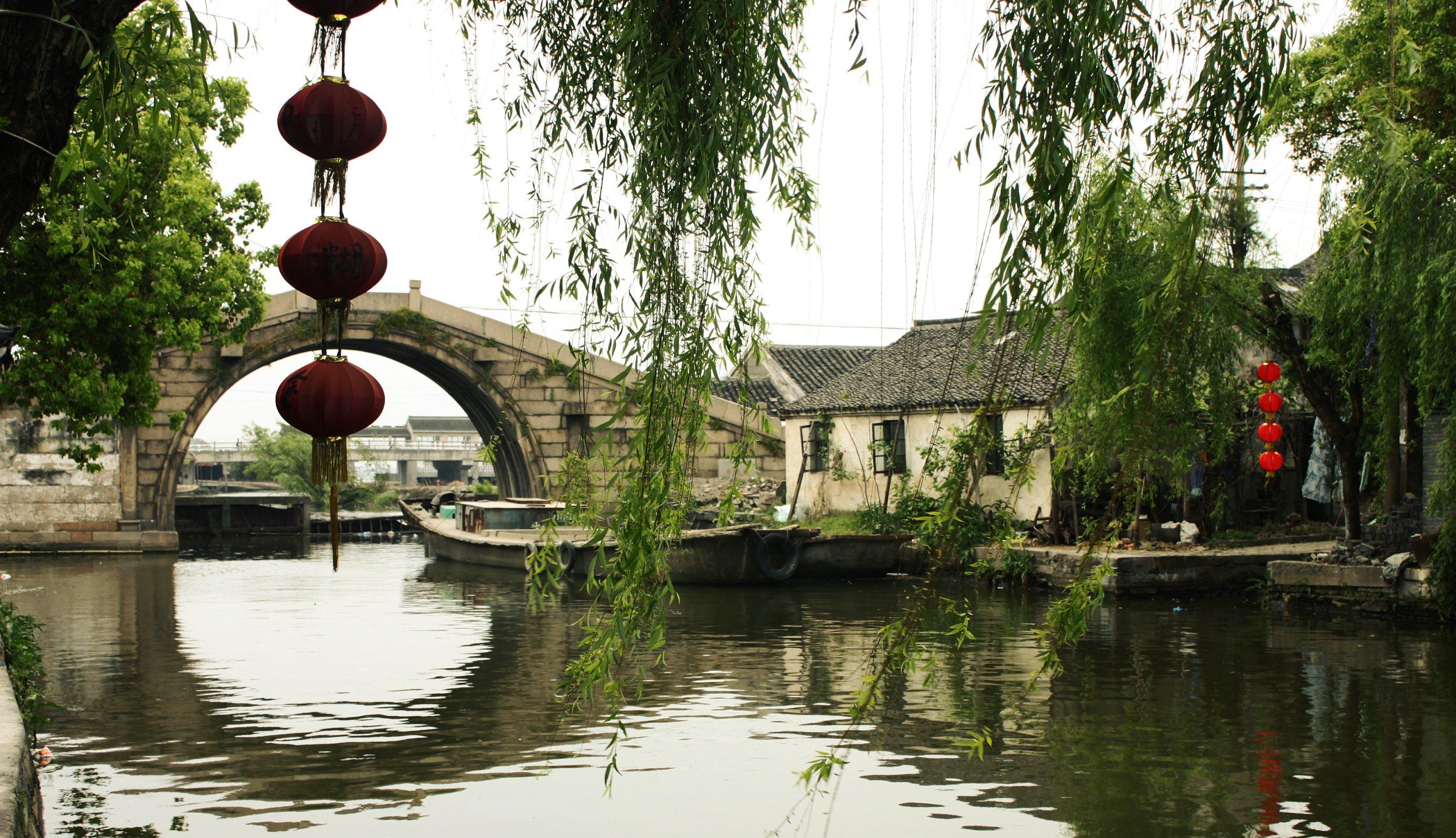 上海平面设计培训、广告设计培训、上海非凡进修学院