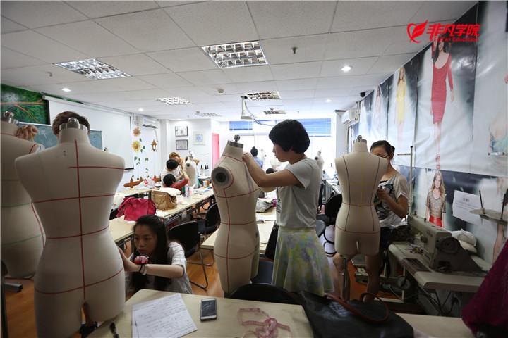 服装设计资讯>上海服装设计培训—服装结构制图中的三大要素
