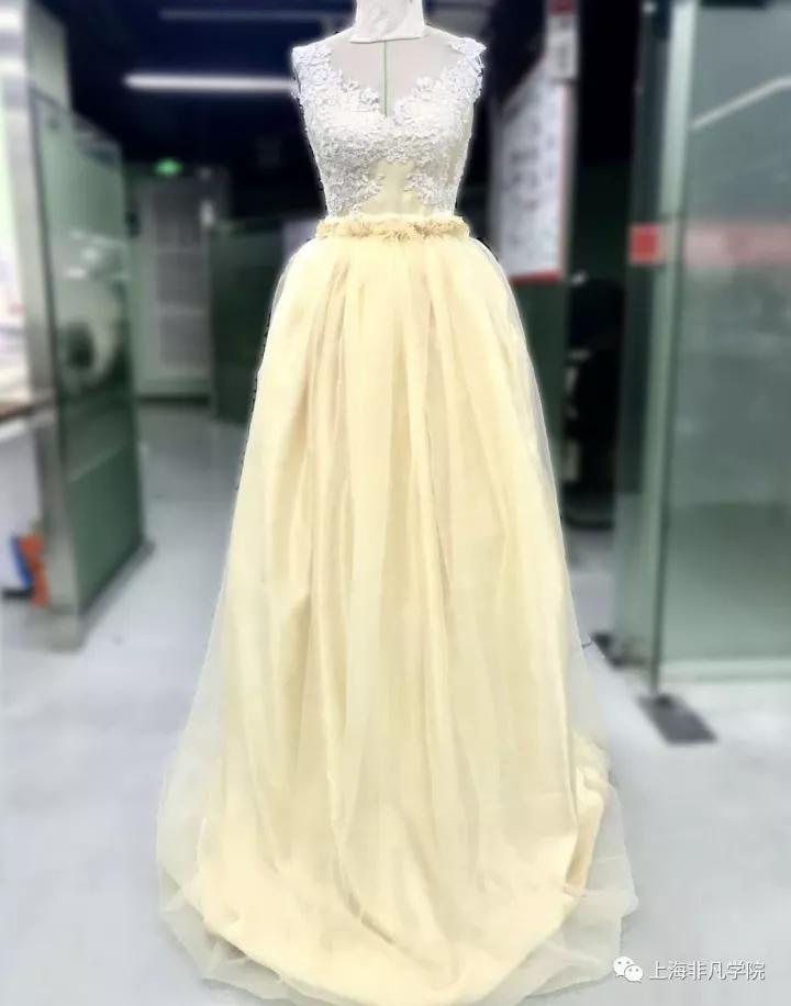 服装设计资讯>上海服装设计师培训—我们毕业了!再见了,我的非凡学院!