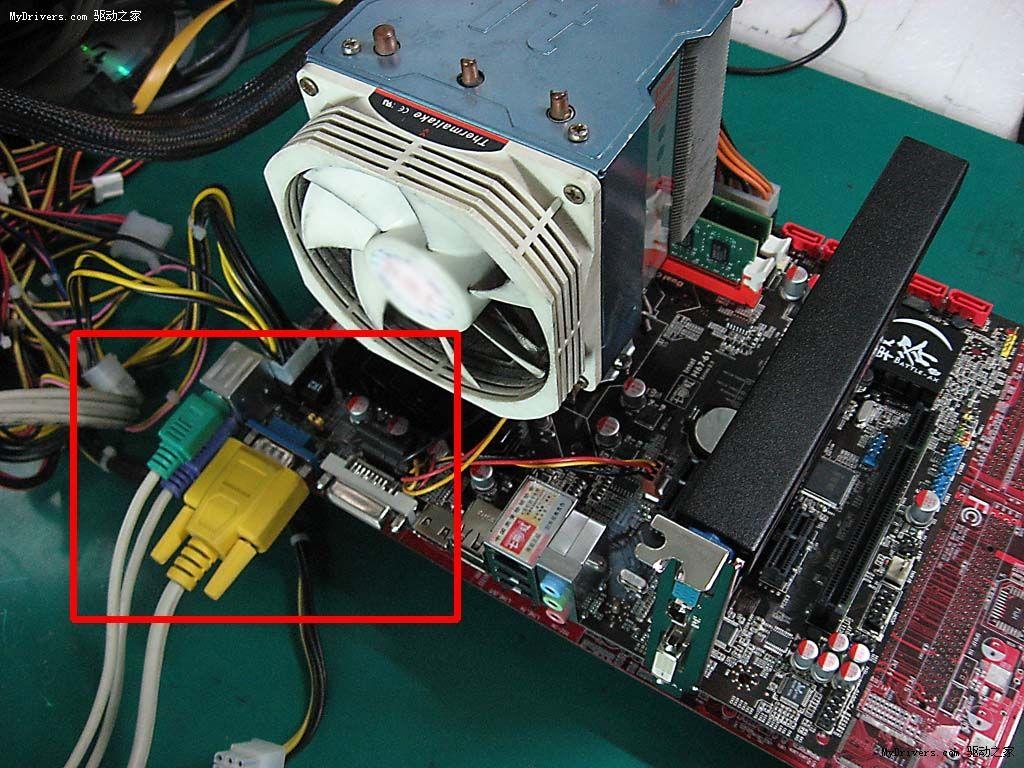 目前,Intel的酷睿处理器,AMD的APU处理器都内置了核心显卡,并且性能在不断增强,档次高的CPU内置的核心显卡已经可以媲美一些入门独立显卡了。因此,选择一款内置好一些的核心显卡电脑,无需搭配独立显卡即可满足不少网络游戏需求,像APU电脑一般定位入门游戏用户,(上海电脑维护维修培训)无需搭配独立显卡,依靠CPU内置核心显卡即可满足大众用户需求。